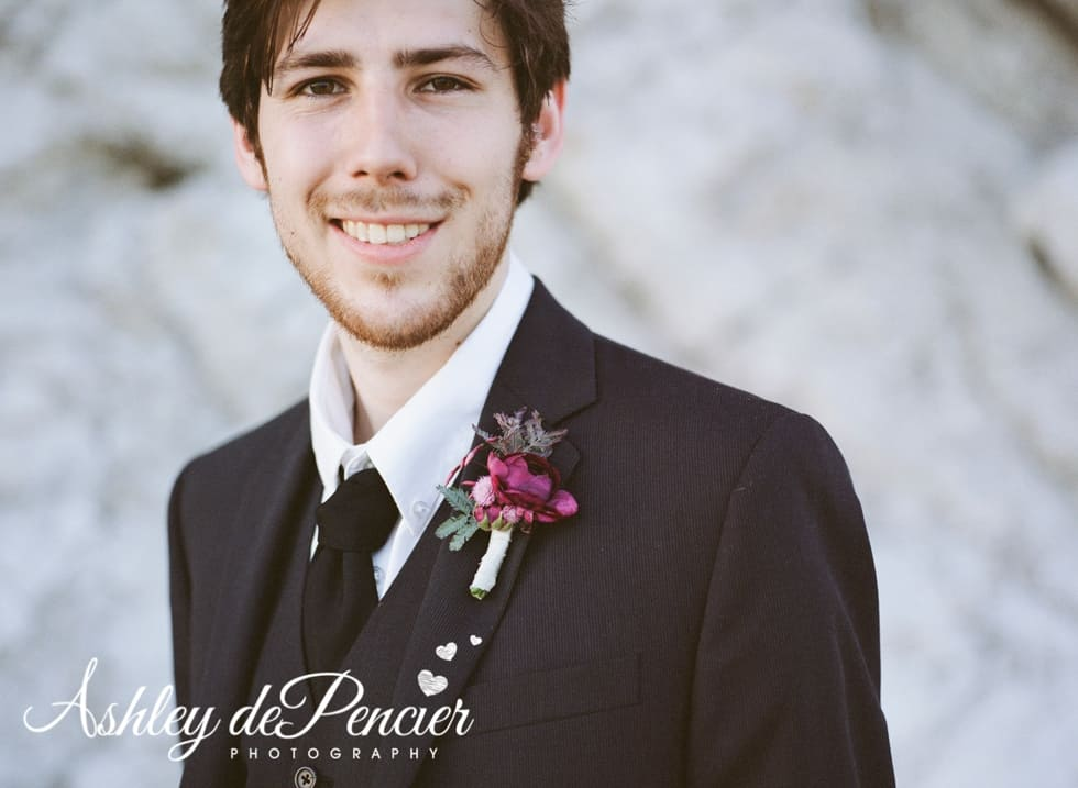 Portrait of a groom on the beach
